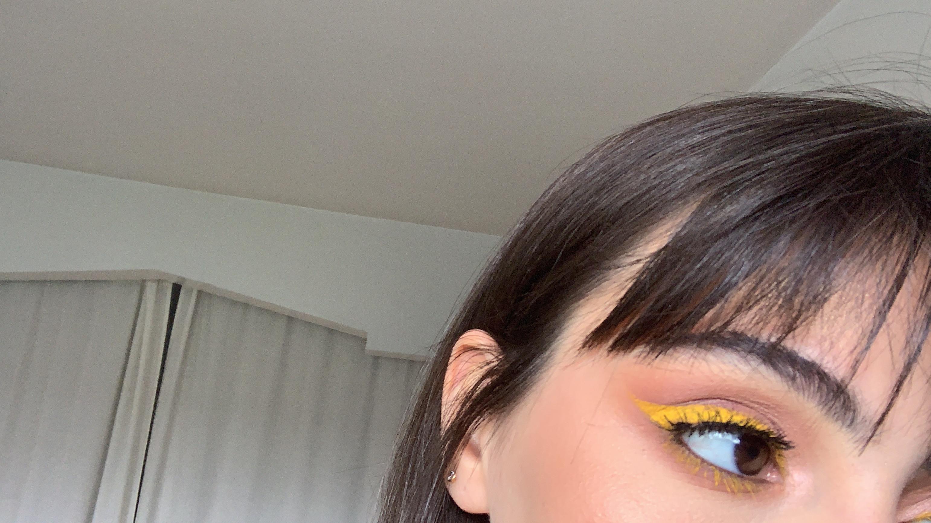Yellow eyeliner 2.JPG