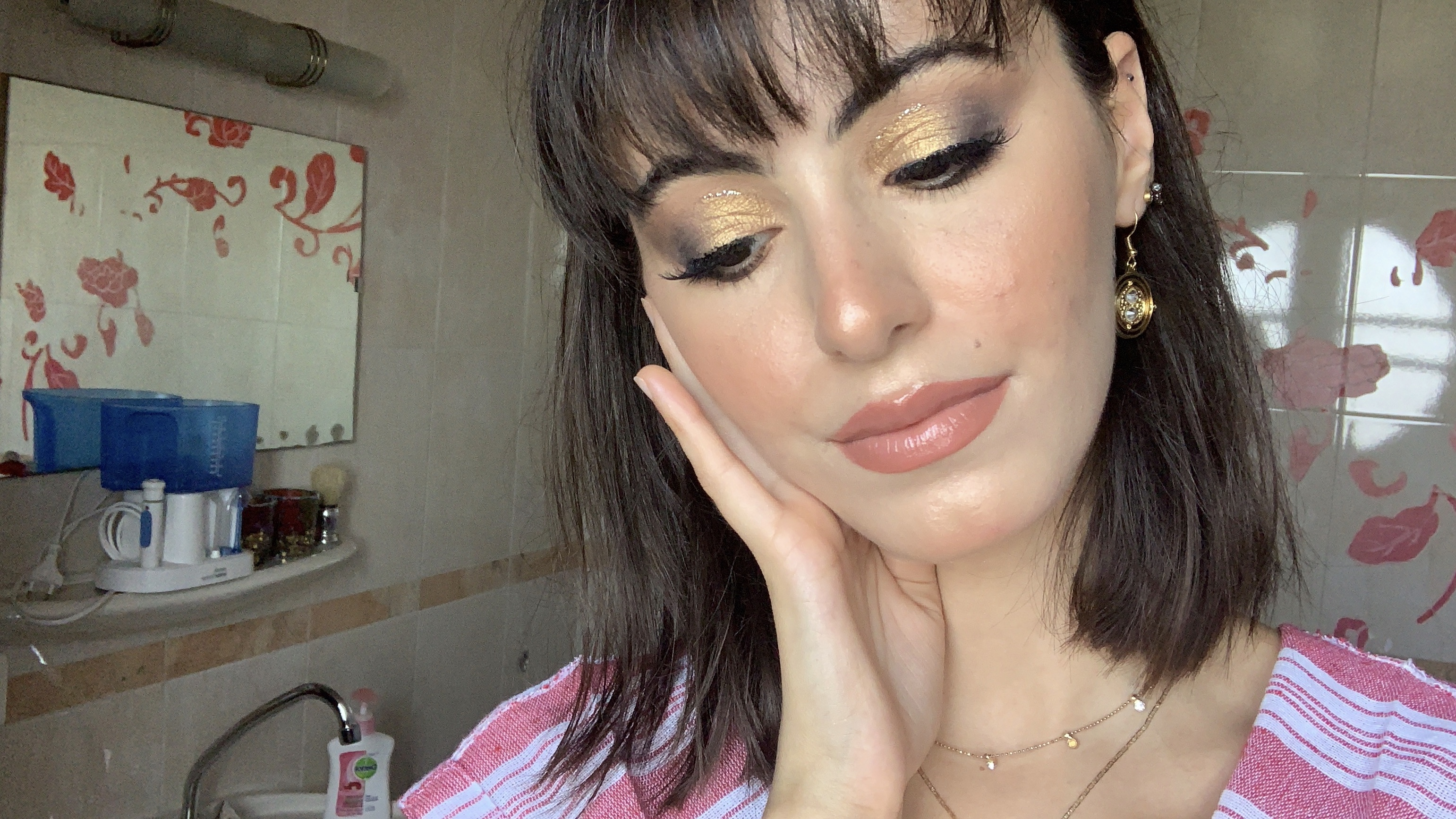 glowy bronze makeup look.jpg