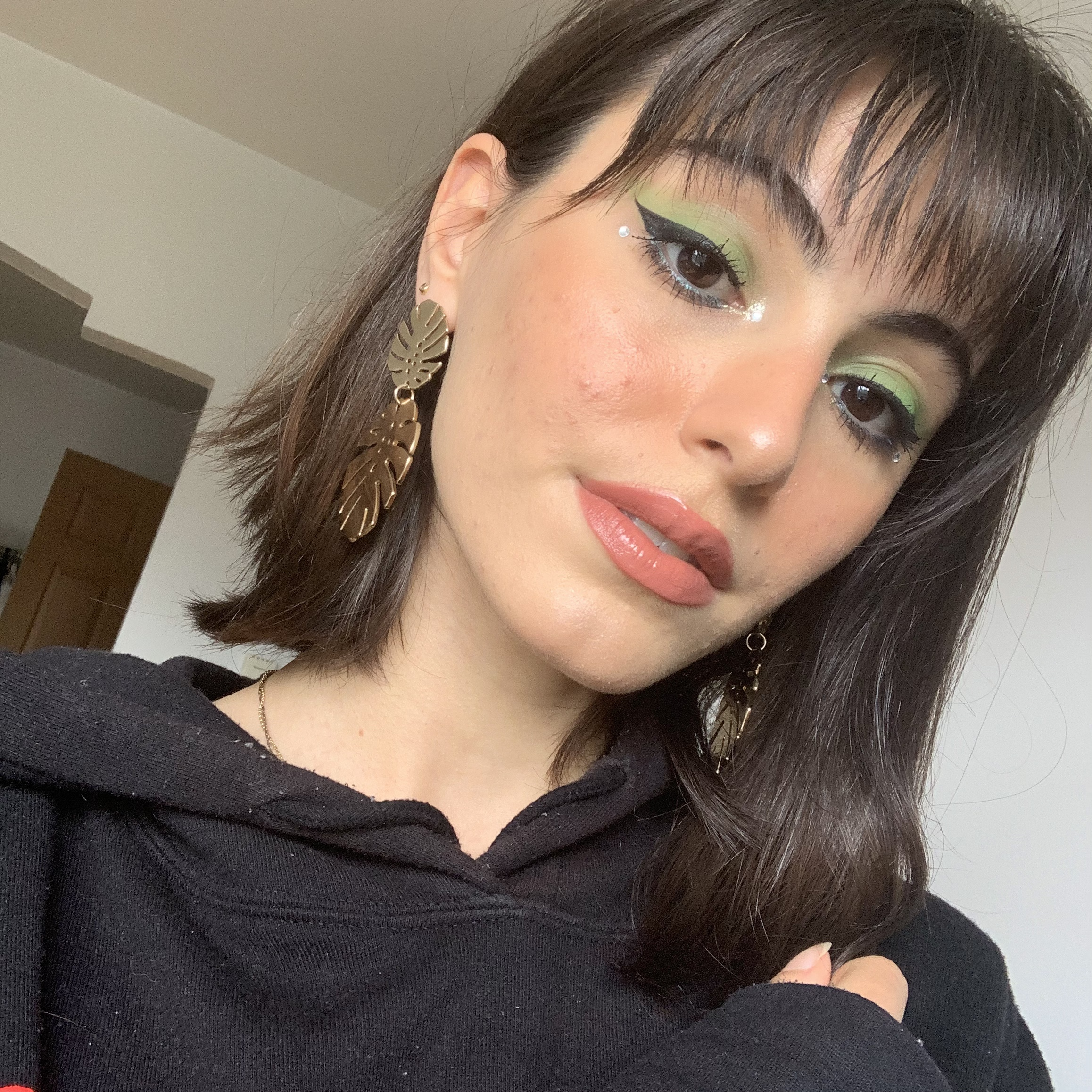 green festival makeup look 3.jpg